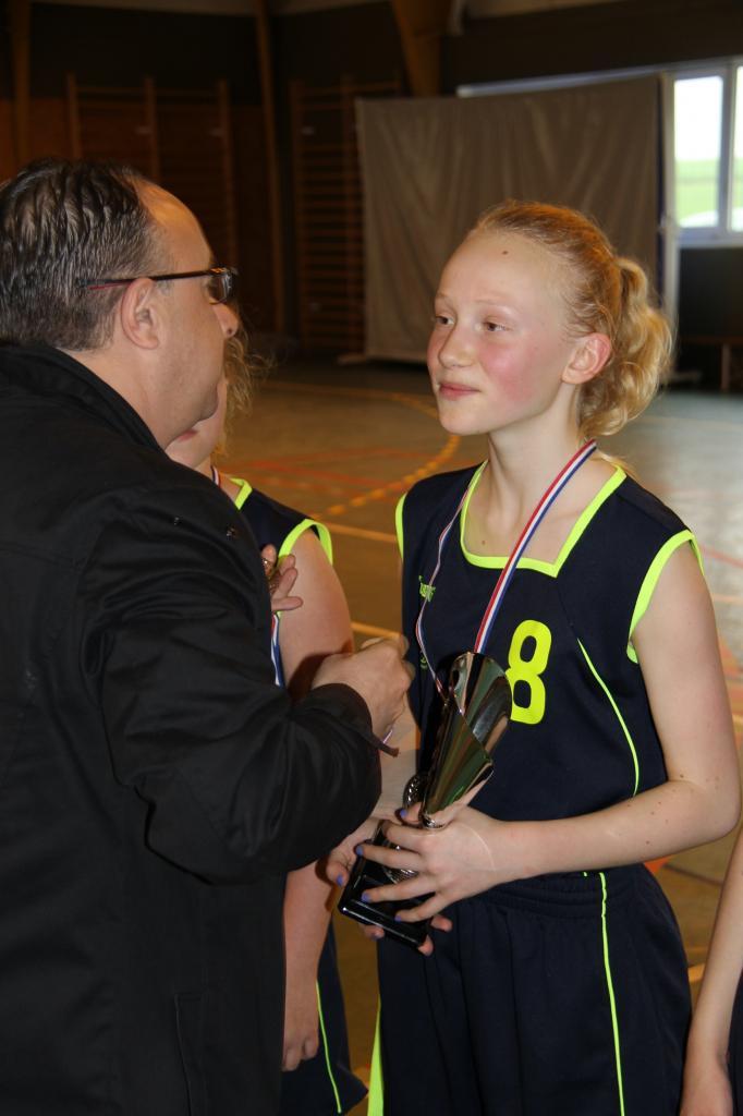 Remise des médailles aux joueuses du BBVB.