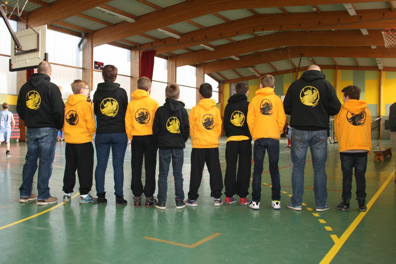 Noir, jaune, noir, jaune, noir, jaune, noir...